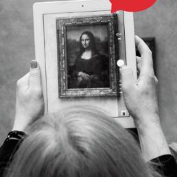 Auf dem Bild ist Mona Lisa zu sehen, die eine Sprechblase über dem Kopf hat.